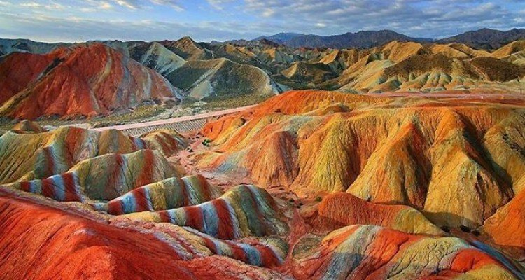 Zhangye-rainbow-mountains