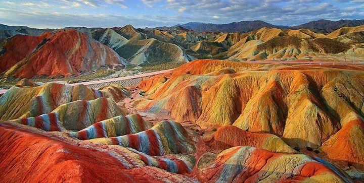 Zhangye-rainbow-mountains
