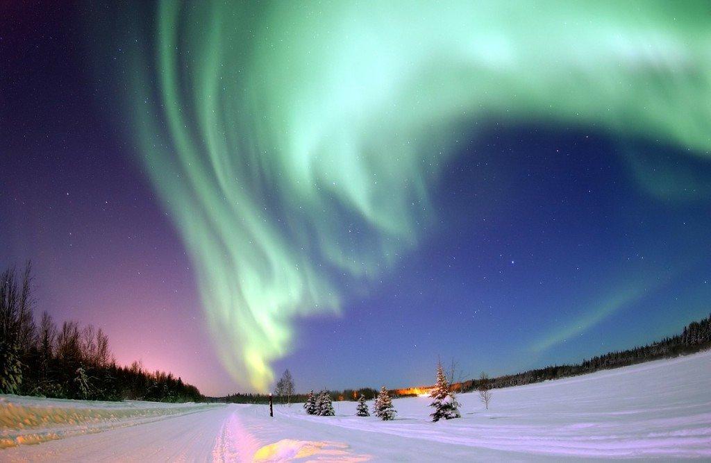 aurora-borealis-69221_1280