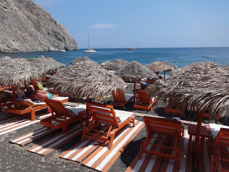 gdzie plażować na Santorini