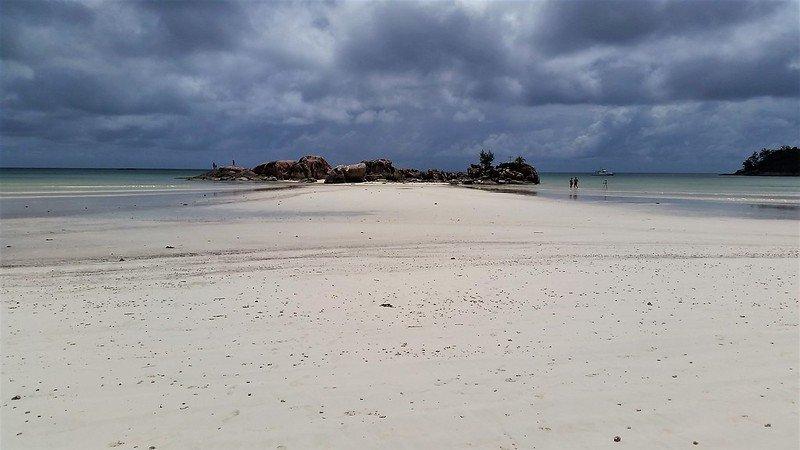gdzie plażować na Praslin