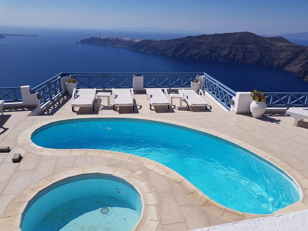 gdzie spać na Santorini