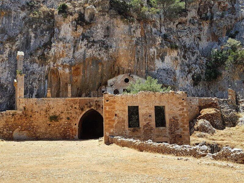 najpiękniejsze klasztory na Krecie